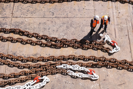 construction_workers_chain